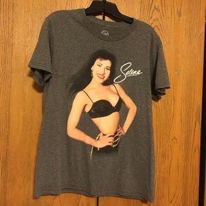 Tops - Selena graphic tee